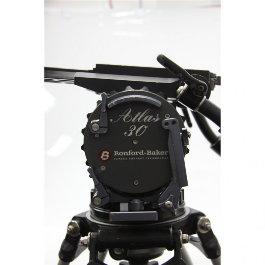 RONFORD BAKER ATLAS 30 PACKAGE Atlas 30 Head on Tall Tripod Legs