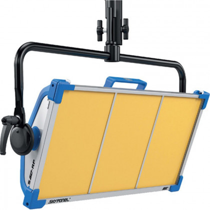 ARRI L0.0007076 ARRI SkyPanel S60-RP Daylight LED - Blue/Silver, Bare Ends