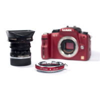 METABONES MB_LM-M43-RM1 Metabones Leica M Lens to Micro 4/3 Adapter (Red)